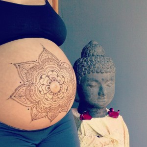 Henna by Brandy {pregnant belly at 33 weeks}